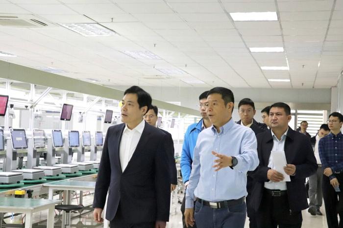 佛山市领导莅临广东天波,鼓励本土高新企业...